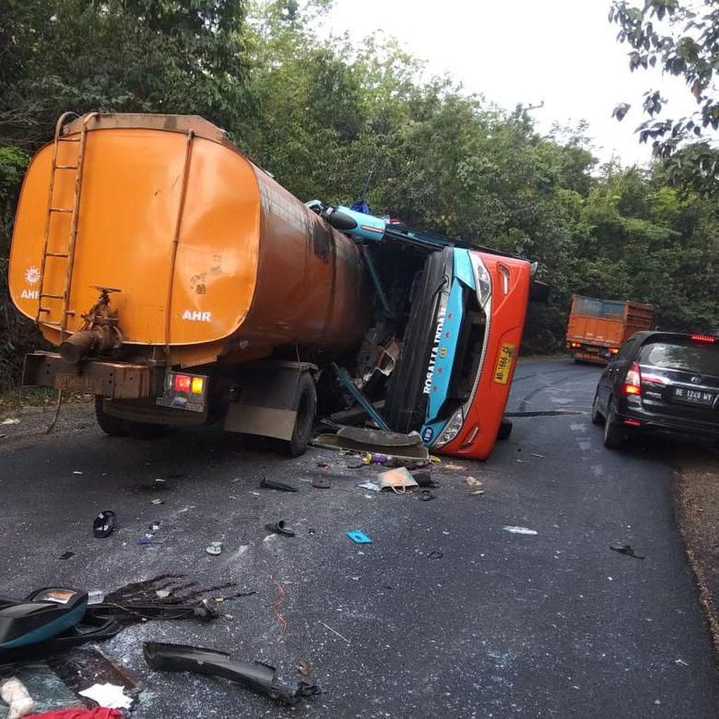Ini Identitas Korban Kecelakaan Bus Rosalia Tabrak Truk di Lampung