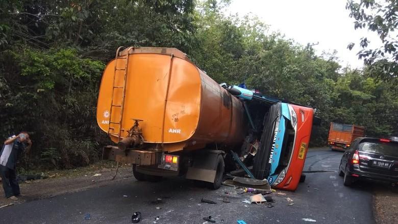 Ini Identitas Korban Tewas Kecelakaan Bus Tabrak Truk di Lampung