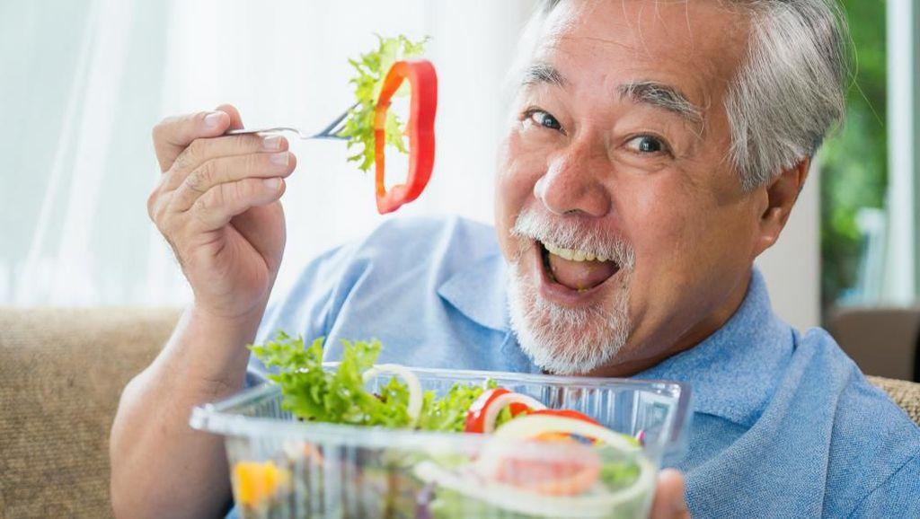 Bagaimana Memenuhi Nutrisi Bagi Orang yang Sudah Berumur?