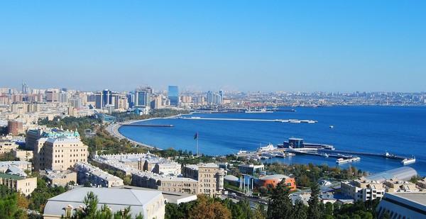 Laut Kaspia memiliki luas 371.000 Kilometer persegi. Namanya saja laut, namun in iadalah danau berair asin. (iStock)