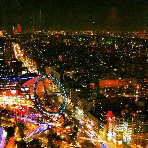 Potret Kota Tokyo saat malam hari yang dijepret Hannah (Instagram/hanblundell)
