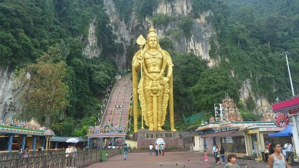 Melihat Patung Dewa Terbesar di Malaysia