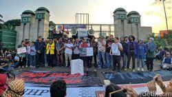 Jokowi-DPR Didesak Tak Sahkan Revisi UU KPK yang Dianggap Inkonstitusional