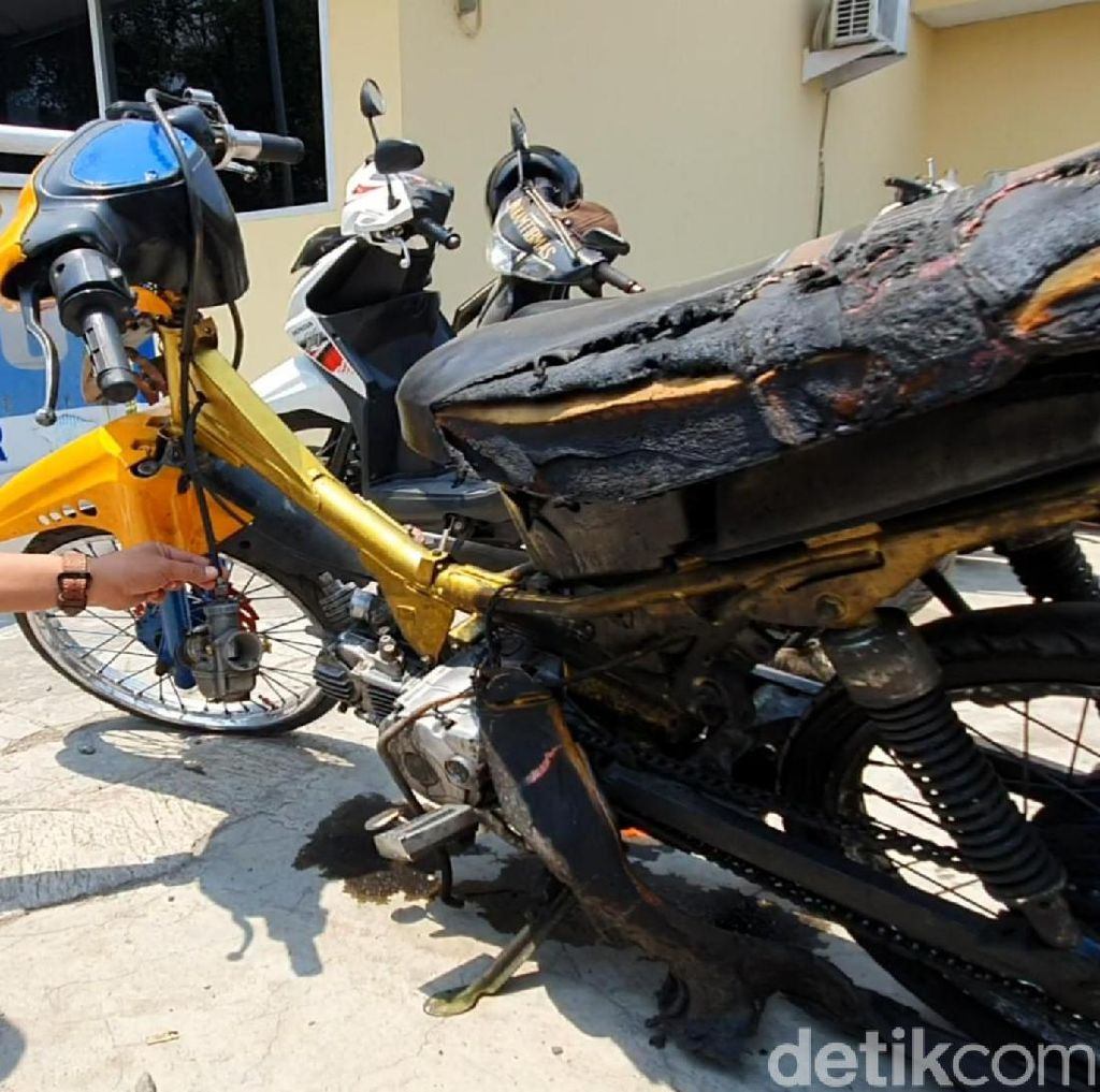 Cerita Warga Saat Pemuda Cianjur Bakar Motor Gegara Ditilang Polisi