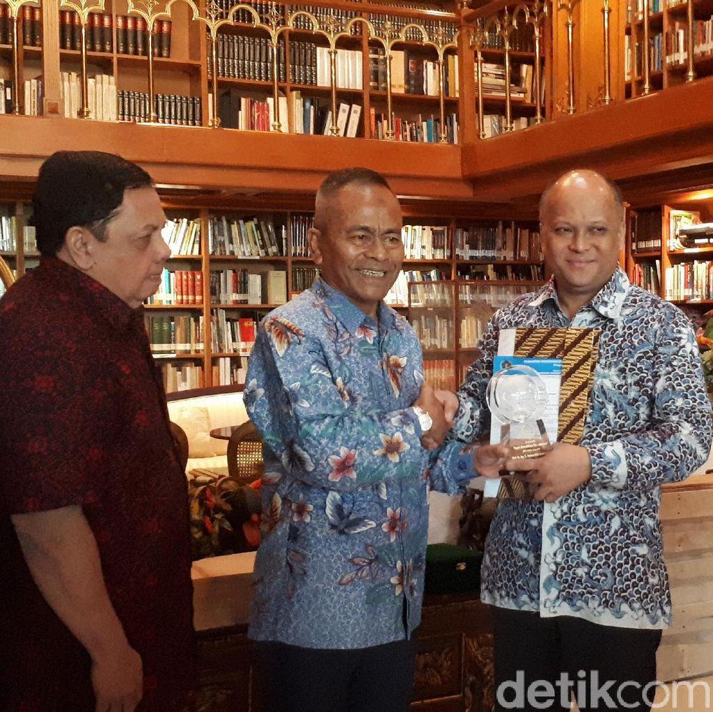 PWI Beri Gelar Bapak Kemerdekaan Pers Indonesia untuk BJ Habibie