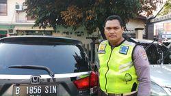Polisi Tentukan Status Sopir Mobil yang Ditemploki Bripka Eka Sore Ini