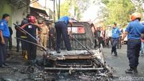 Pikap Muat BBM Hangus Terbakar di Kota Blitar, Sopir Selamat
