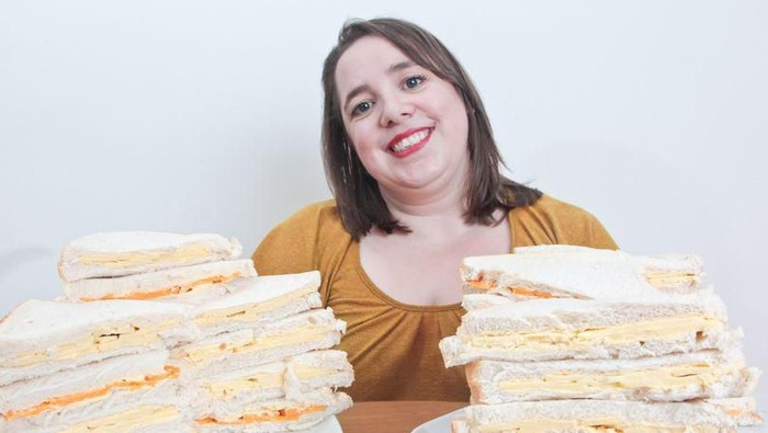 April Griffiths phobia terhadap makanan selain roti dan keju. Foto: istimewa/Mirror