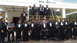 Kalangan Advokat Yogya Turun Jalan Menolak Revisi UU KPK