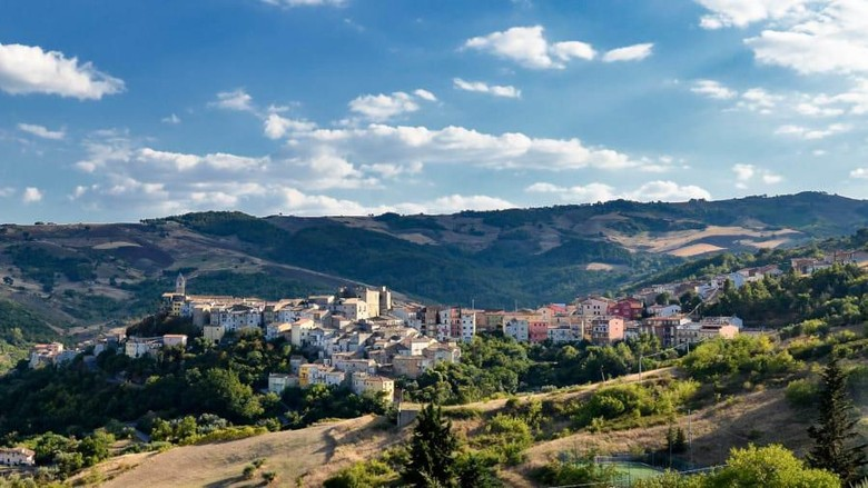 desa berbayar di italia (Angelo Tullio/CNN Travel)