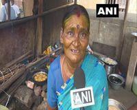 Mulia! Nenek Ini Berikan Makanan Gratis untuk Orang Miskin Setiap Hari