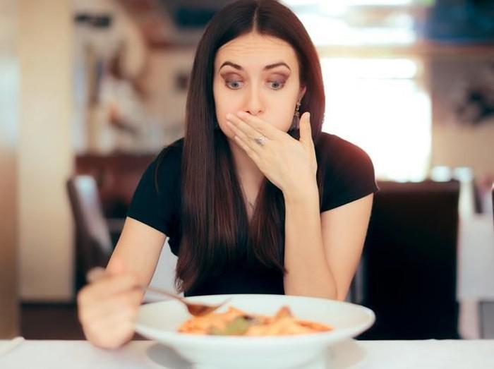 10 Gejala Keracunan Makanan yang Perlu Diwaspadai Foto: iStock