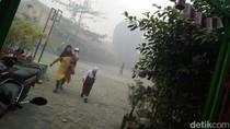 Sekolah Dekat TPA Makassar Diliburkan karena Asap Masih Ngebul