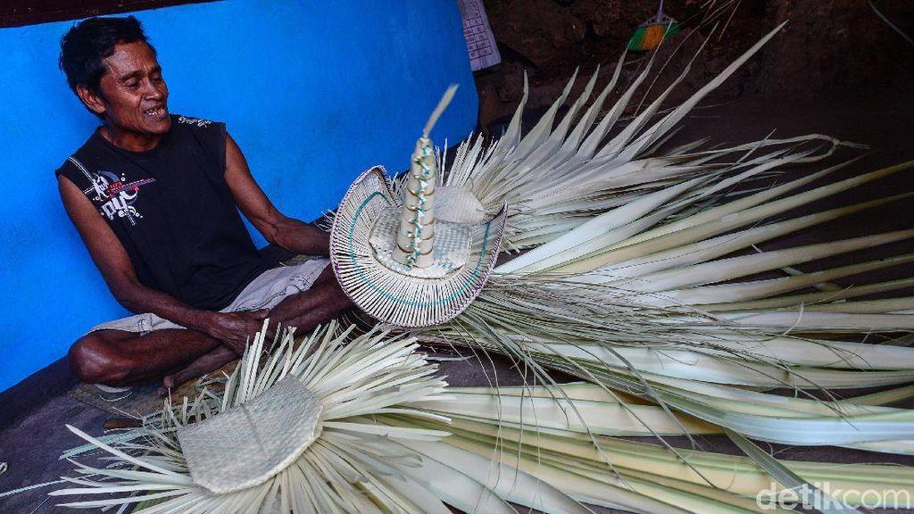 Menganyam Daun Lontar, Memperkaya Nusantara
