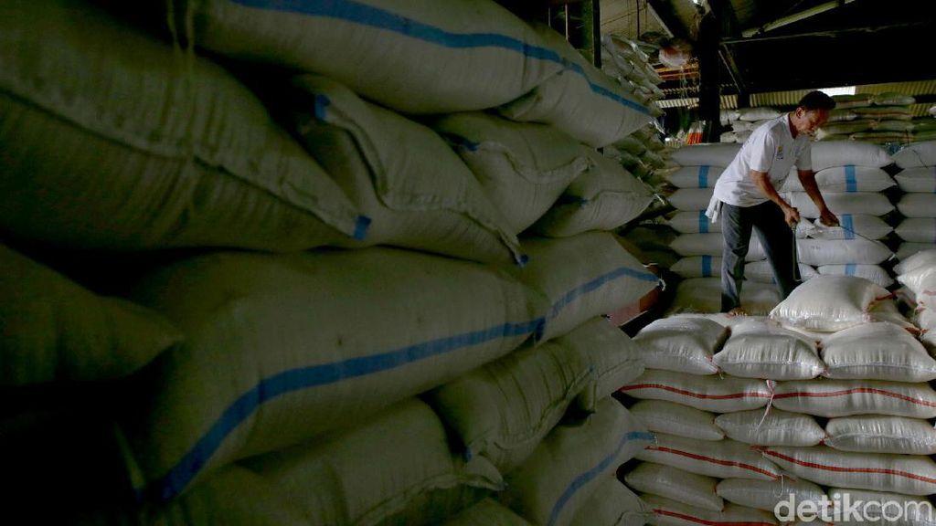 Terancam Busuk, Beras Bulog Boleh Dijual ke Pasar hingga Bansos