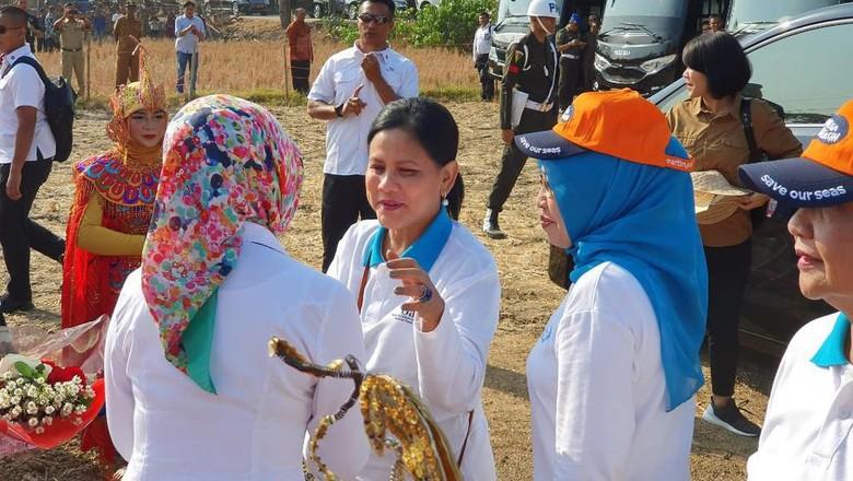 Iriana Jokowi Soroti Kali Bahagia Bekasi: Ternyata Masih Kotor