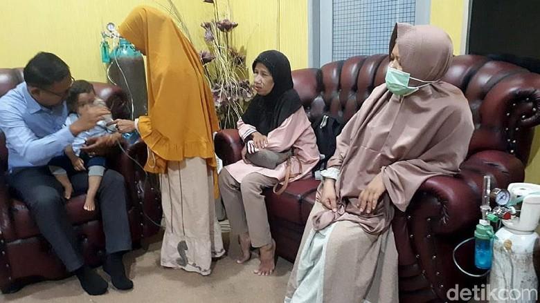 Potret Warga Riau Mengungsi Akibat Kabut Asap Makin Pekat