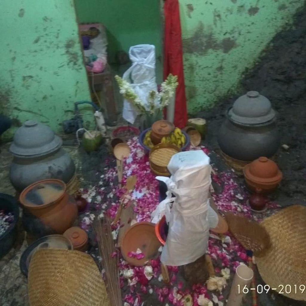 Warga di Pati Jalani Ritual Tapa Pendhem Selama 5 Hari