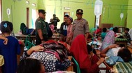 Keracunan Massal, Warga Sukabumi Dirawat di Gedung Sekolah