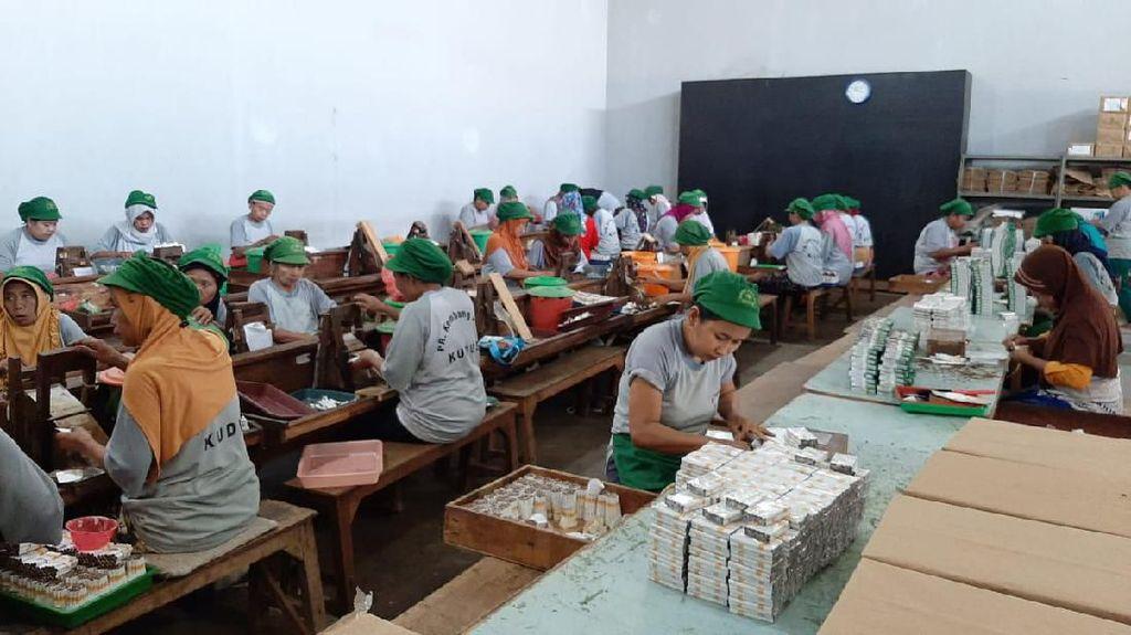 Cukai Naik, Nasib Karyawan Pabrik Rokok Ditentukan dalam 3 Bulan