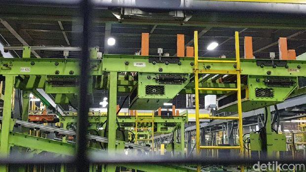 Beroperasi 24 Jam, Pabrik Ini Bisa Produksi 33 Ribu Ban Setiap Harinya