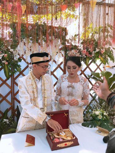 Pernikahan sederhana viral karena biaya hanya Rp 30 juta.