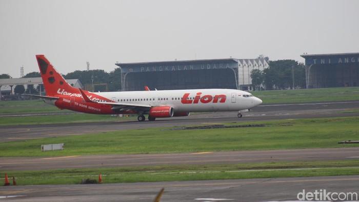 Penerbangan dari Bandara Internasional Juanda Surabaya ke sejumlah wilayah di kalimantan masih terdampak kabut asap. Tujuh penerbangan dari Juanda dibatalkan.