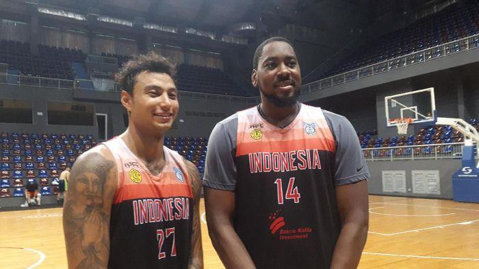 Brandon Jawato (kiri) kian melengkapi komposisi skuat timnas basket Indonesia di SEA Games 2019. (Foto: Mercy Raya / detiksport)