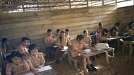 Tolong! SMA N 3 Huruna di Nias Rusak Parah: Lantai Tanah Becek, Atap Jebol