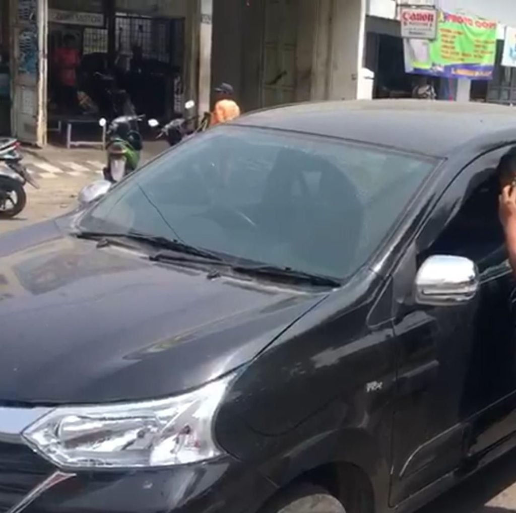 Pemilik Beli Meterai 5 Menit, Duit Rp 46 Juta Dalam Mobil Raib