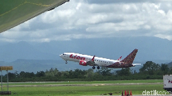Ada Penumpang Sakit, Lion Air Jakarta-Banjarmasin Dialihkan ke Semarang