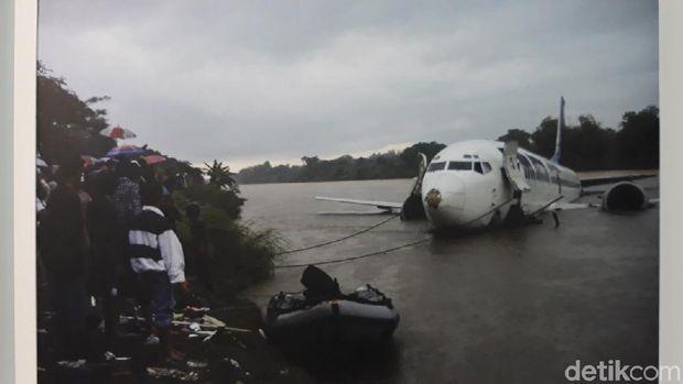 'Air Mata Air Bengawan', Kritikan Lewat Pameran Foto di Solo