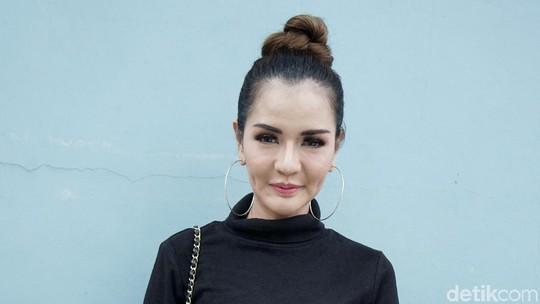 Curhatan Anggia Chan soal Vicky Prasetyo
