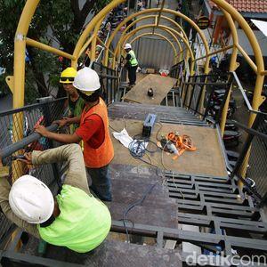 Progres Pembangunan JPO Pasar Minggu Capai 64 Persen
