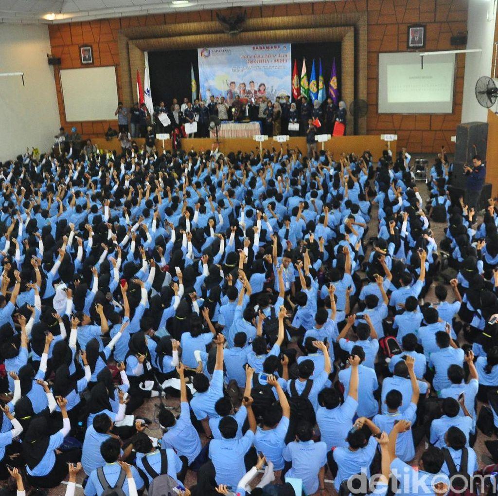 Ribuan Mahasiswa Mainkan Lagu Kebangsaan Pakai Angklung Virtual