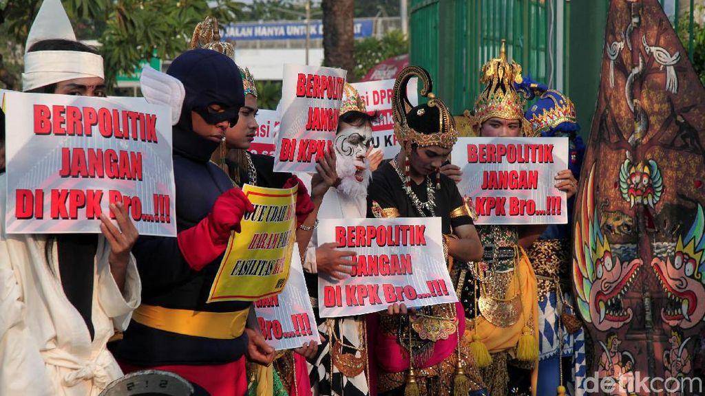 Hanoman hingga Wiro Sableng Dukung UU KPK