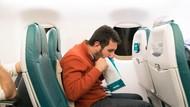 Parah! Pura-pura Sakit demi Kursi Lebih Enak di Pesawat