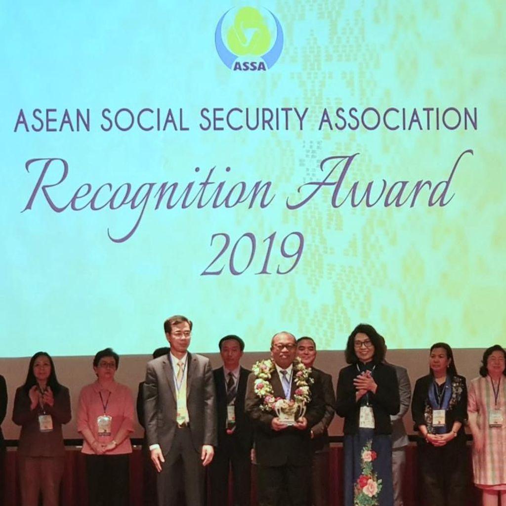 Gandeng Komunitas, Program Perisai BPJS TK Raih Penghargaan di Brunei