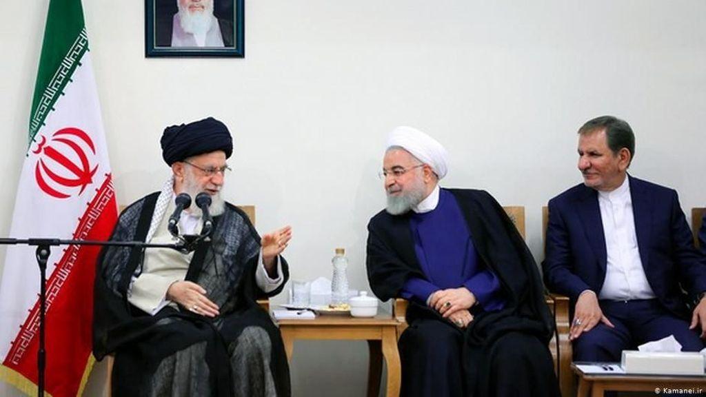 Pemimpin Tertinggi Iran Ayatollah Khamenei Tolak Tawaran Dialog Trump