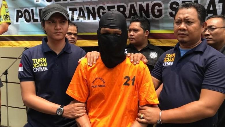 Duel dengan Perampok, Driver Taksi Online di Bintaro Ditusuk Berkali-kali