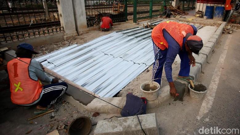 Revitalisasi Trotoar di Jalan I Gusti Ngurah Rai Terus Dikebut