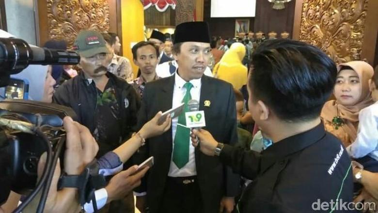 Nilai KPK Zalim, Adik Menpora Usul Presiden Terapkan Hukum Rimba