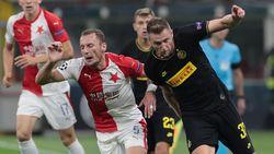 Inter Kewalahan Bendung Slavia Praha