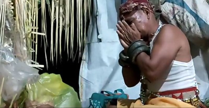 Inilah Nondoi, ritual berbau mistis yang digelar oleh Suku Paser di Penajam Paser Utara, calon ibu kota baru. Ritual ini lahir dari kebudayaan Belian yang berusia ratusan tahun. (dok. Helena/Istimewa)