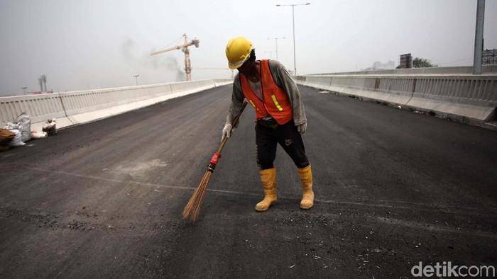 Pembangunan Tol Jakarta-Cikampek II (Elevated) sudah mencapai 96,5%. Rencananya tol ini bisa digunakan saat Natal 2019 dan Tahun Baru 2020.