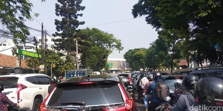 Jalan Jakarta Macet karena Pembangunan Flyover, Polisi Siapkan Rekayasa
