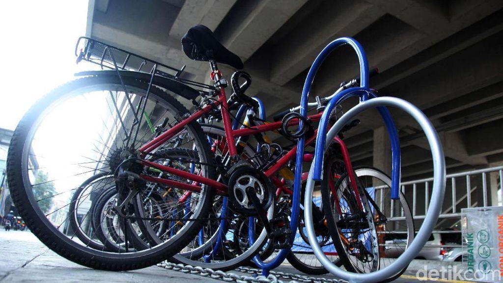 Asyik! Ada Parkir Sepeda Gratis untuk Penumpang MRT