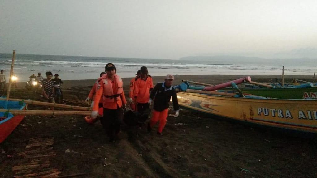 Satu Nelayan Hilang di Pantai Lengkong Cilacap Ditemukan Tewas