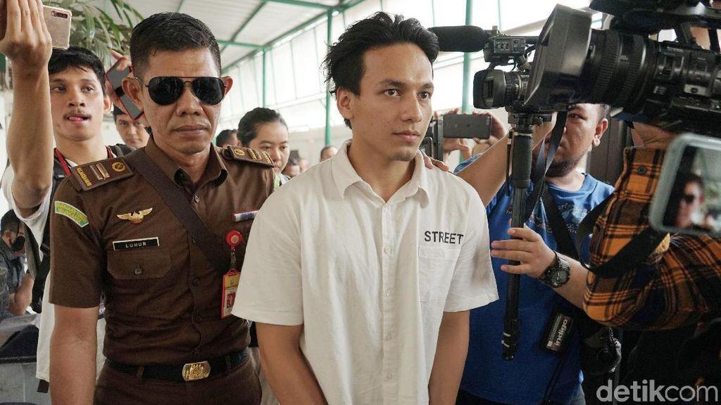 Jefri Nichol Dituntut 10 Bulan Penjara