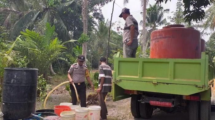 Bantuan air bersih di Lancang Kuning,Bintan. (Foto: Istimewa)